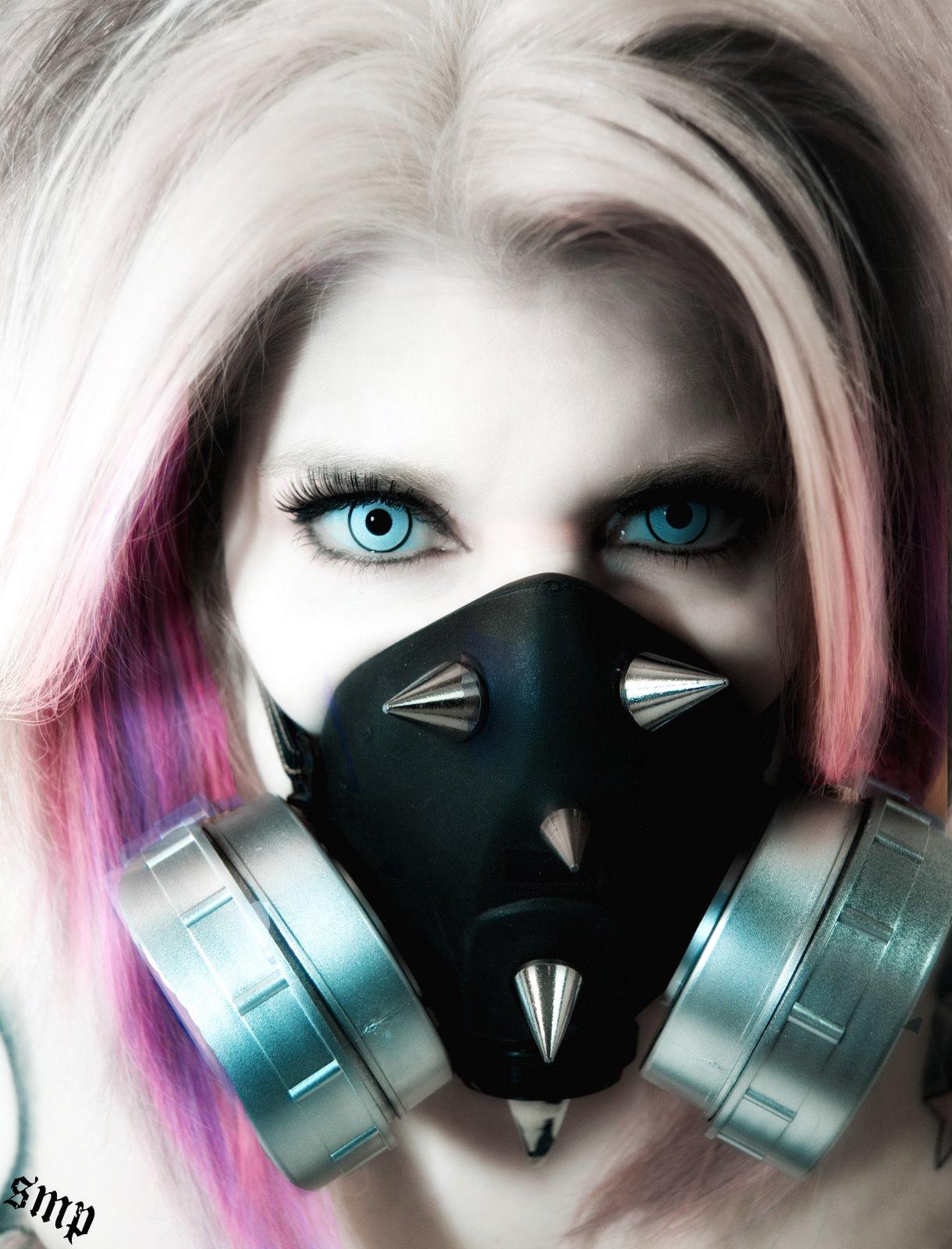 Manic Mask2