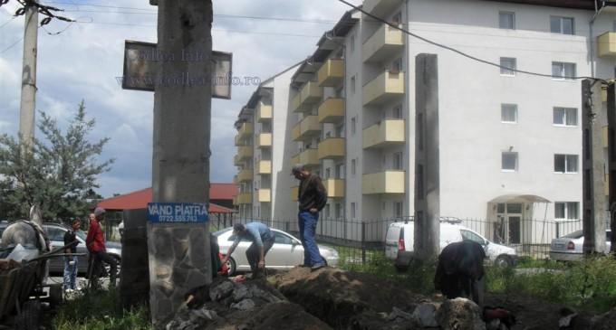 """Şocant!Ţiganii din Codlea """"execută lucrări"""" de anvergură invocând lipsa ajutorului social"""