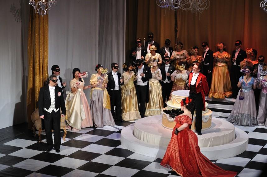 Liliacul-opera
