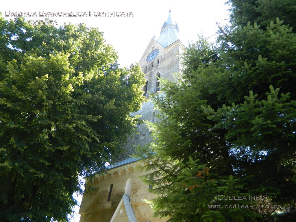 Biserica-Evanghelica-Fortificata-Codlea.