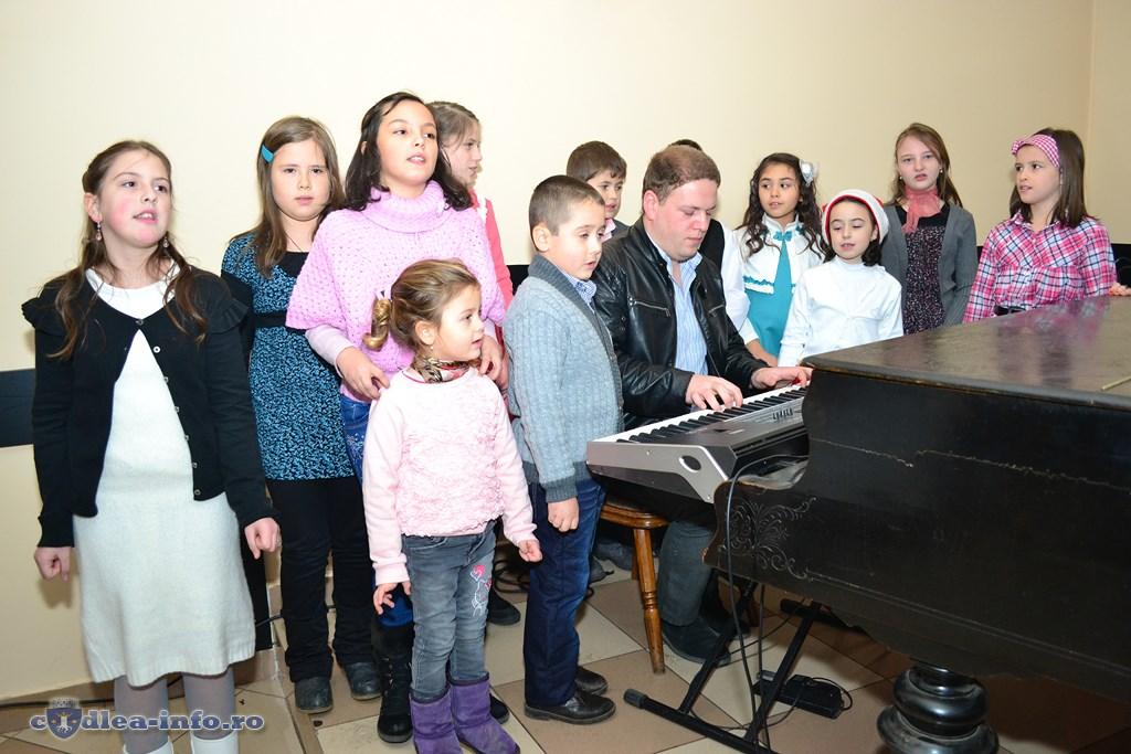 Nicu Nistor si pianistii