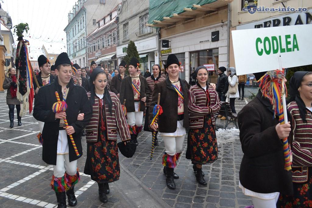 Parada obiceiuri si traditii (9)
