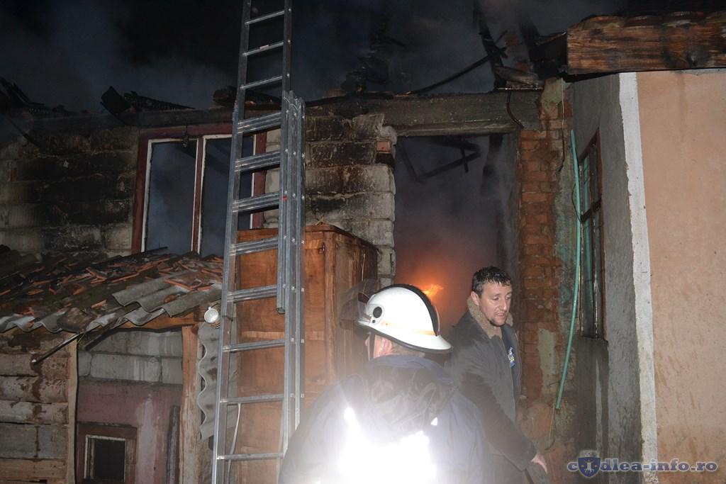 incendiu str cararii codlea (1)