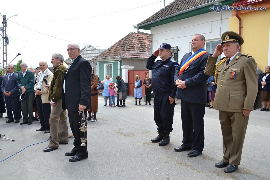 ziua eroilor comuna Dumbravita (33)