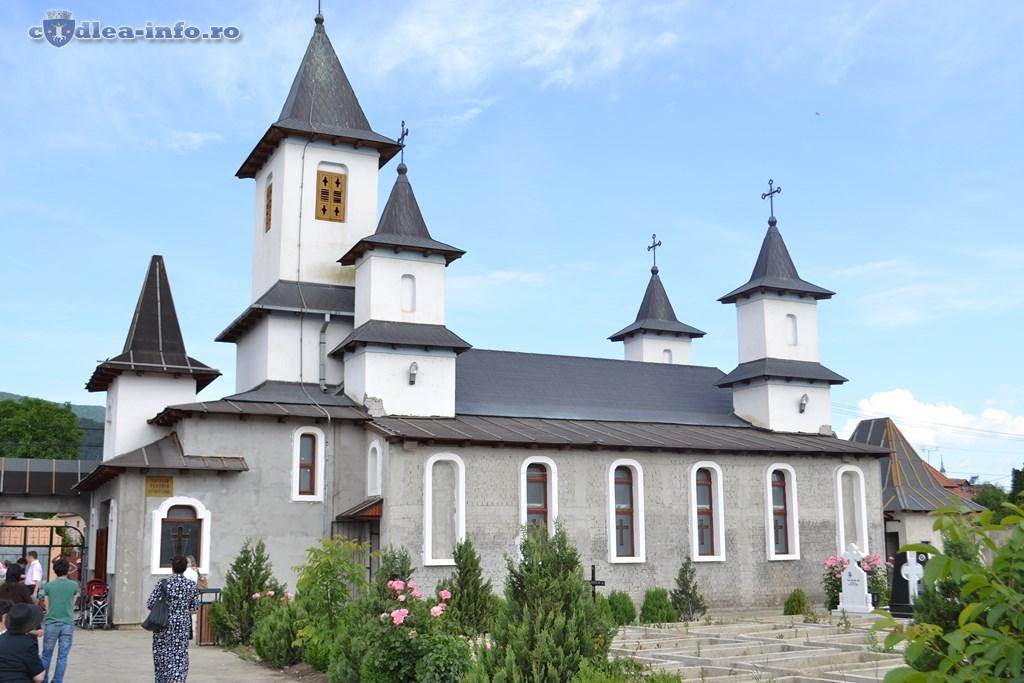 Hramul Bisericii Tututror Sfintilor (1)