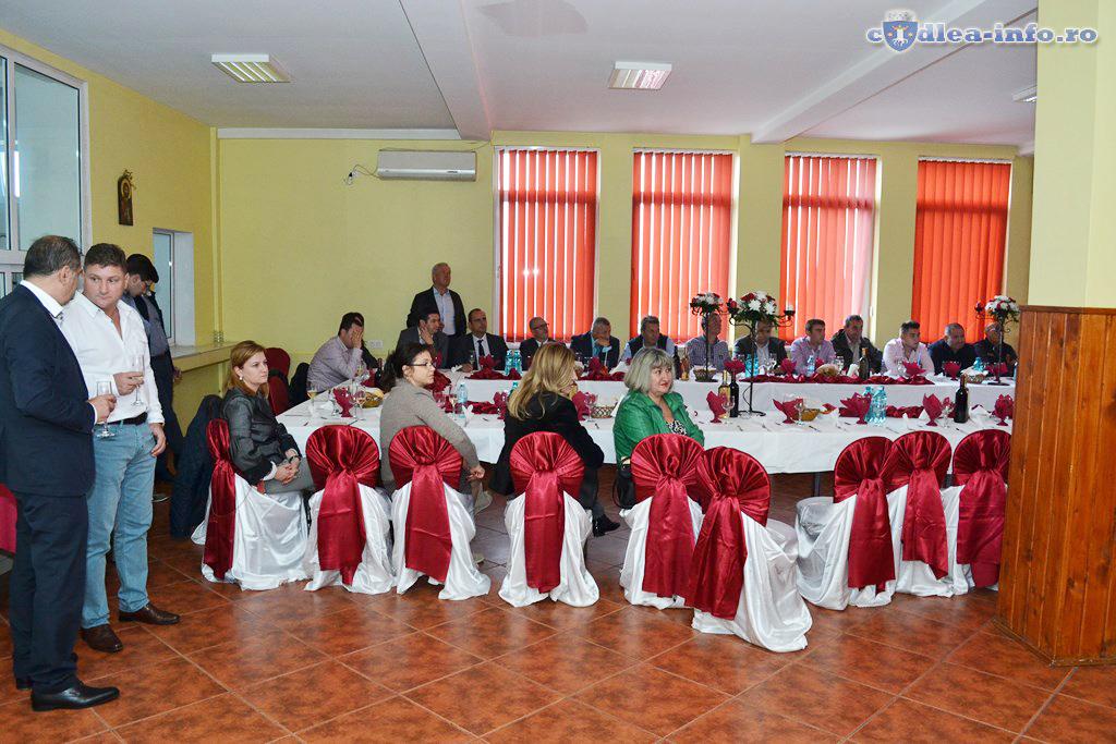 prezentare statie incubatie pui curca Romania