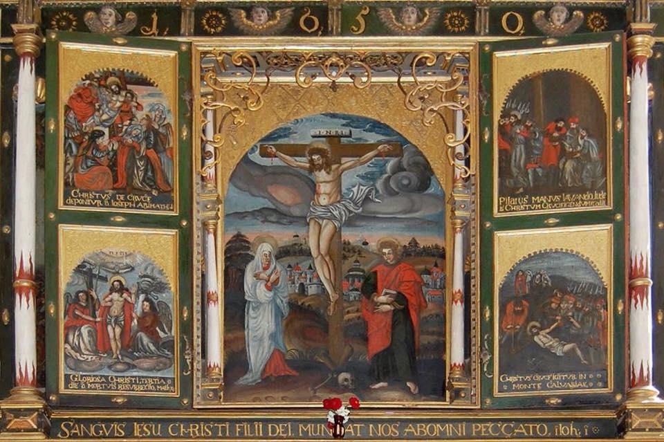 altarul triptic