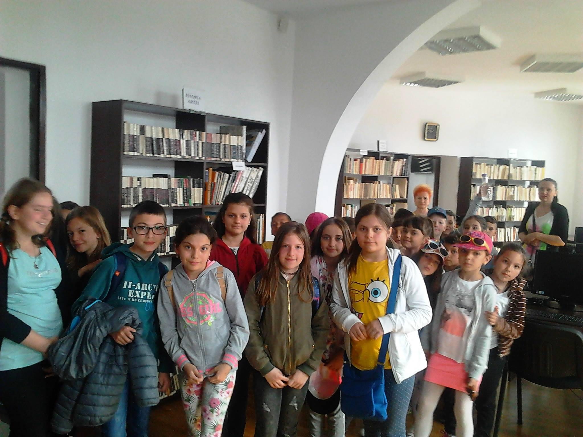 expo-biblioteca (1)