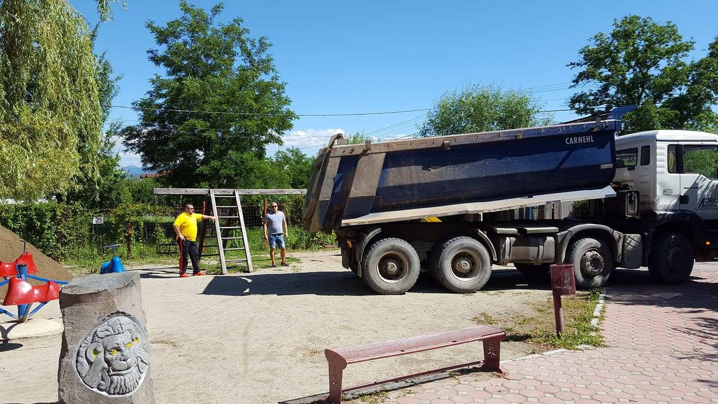 ecologizare-parcul-cu-soare-codlea (1)