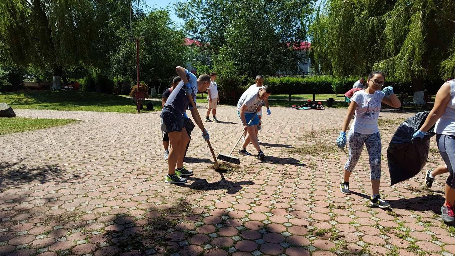 voluntariat-parcul-cu-soare (1)